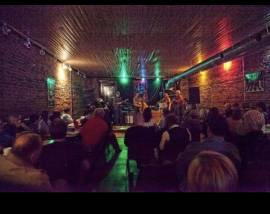 Collins River BBQ & Cafe